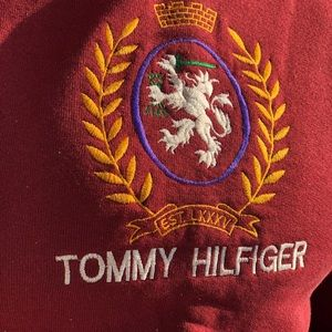Vintage Tommy Hilfiger sweater from the 90's .